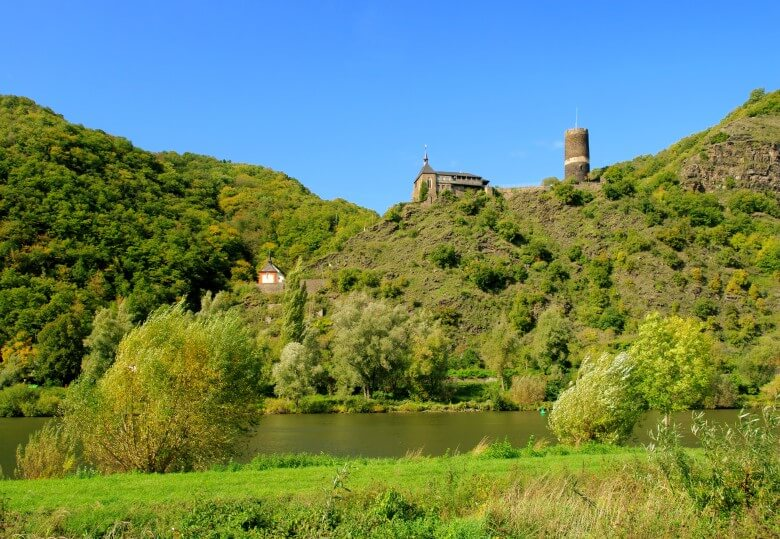 Aussicht auf die Burg Bischohfstein