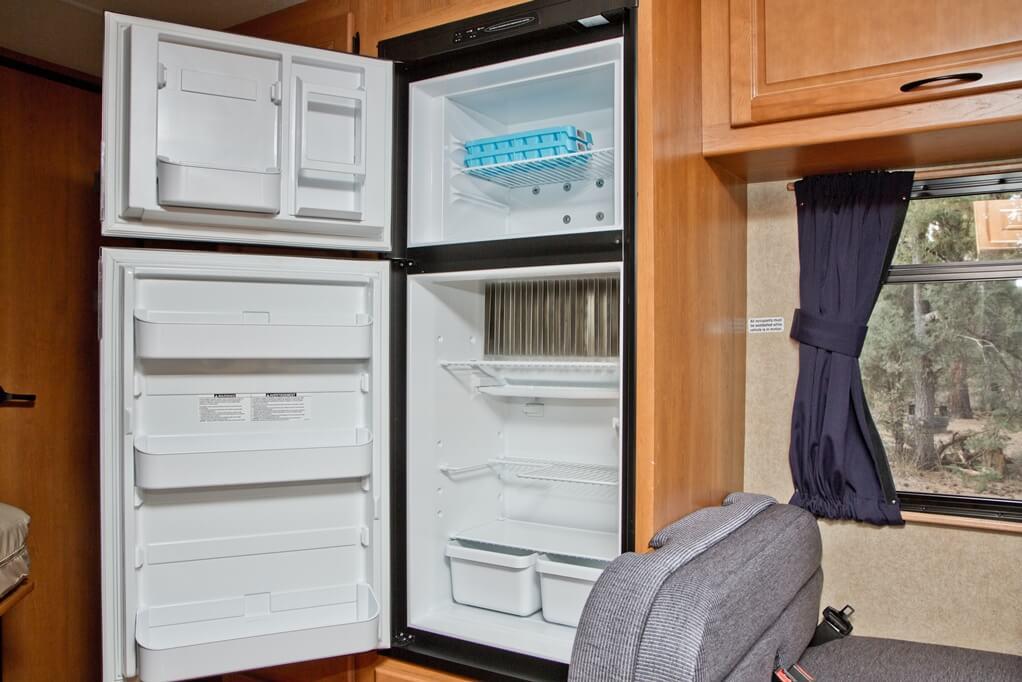 C25-INT-10 kühlschrank_kleiner