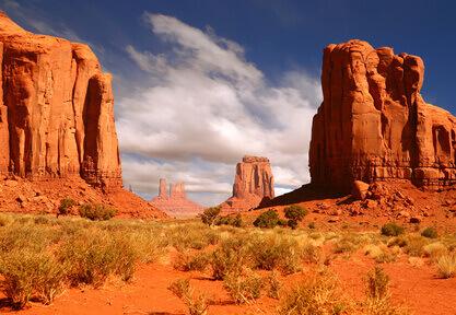 Die charakteristischen Buttes des Monument Valleys