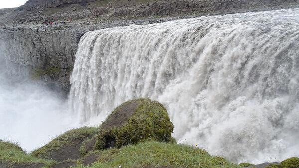 Wassermassen am Dettifoss-Wasserfall