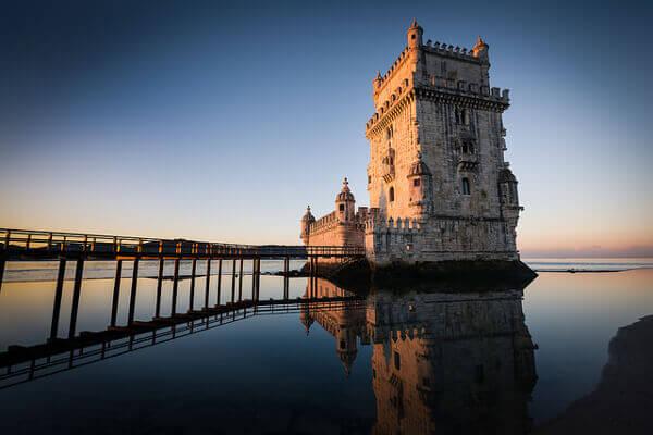 Blick auf den Torre de Belém in Lissabon