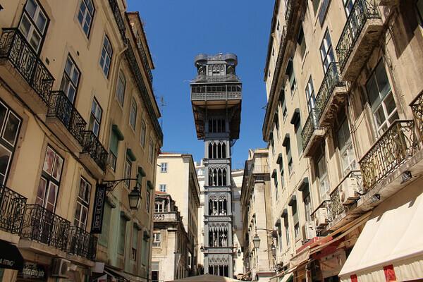 Der Aufzug mitten in Lissabon: Elevador de Santa Justa