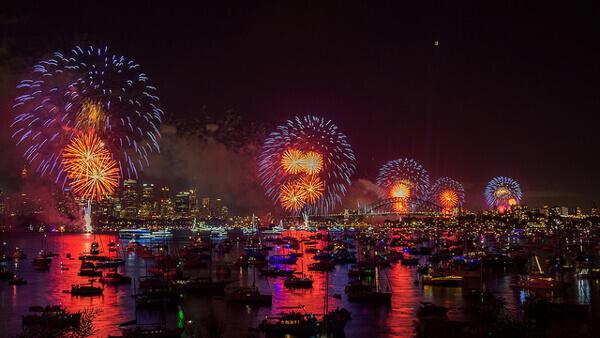 Silvester-Feuerwerk im Hafen von Sydney