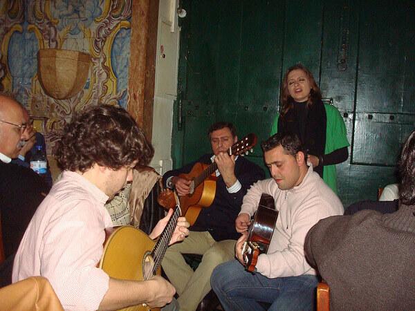 Musikabend in einem Fado-Haus in Lissabon
