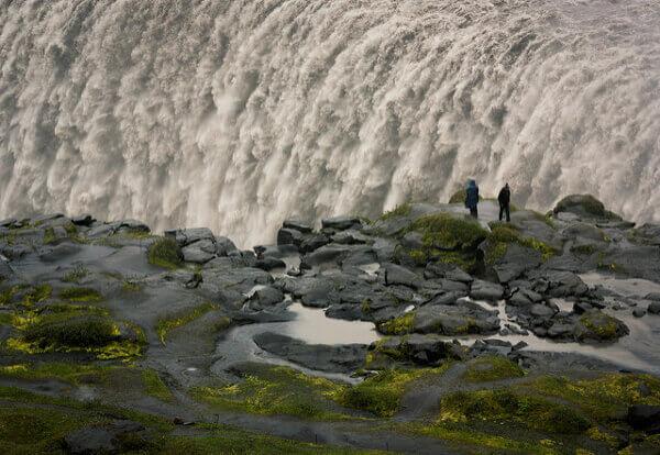 Gewaltige Wassermassen des Dettifoss-Wasserfalls