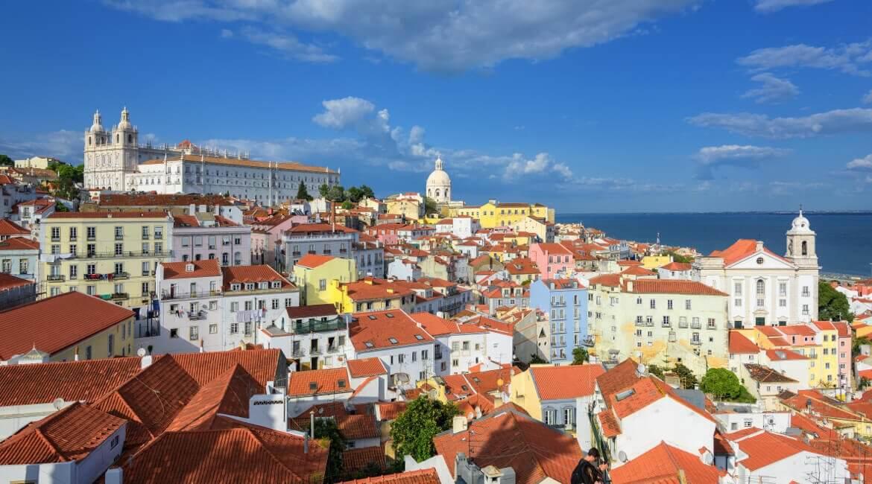Aussicht über die Dächer von Lissabon