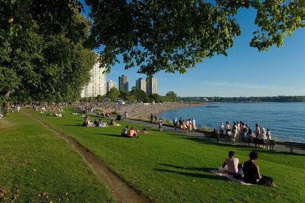 Der Strand von English Bay in Vancouver