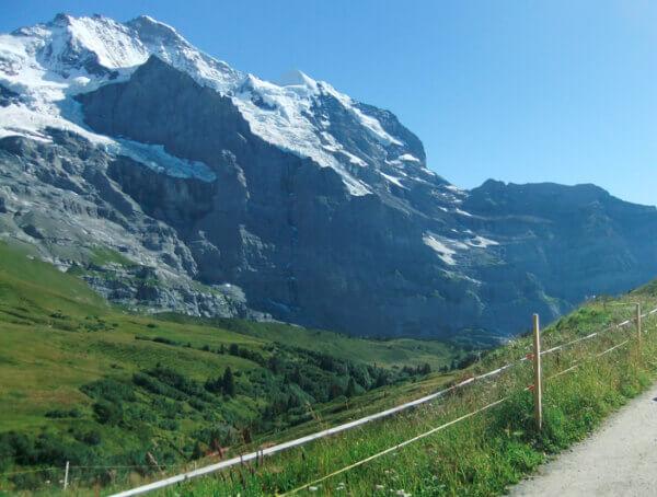 Blick auf Jungfrau und Silberhorn