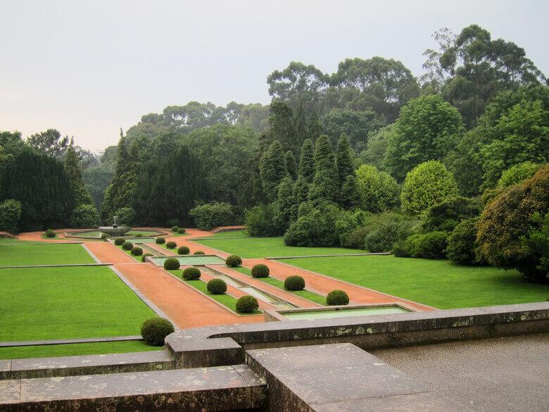 Angrenzender Park beim Museu de Arte Contemporânea