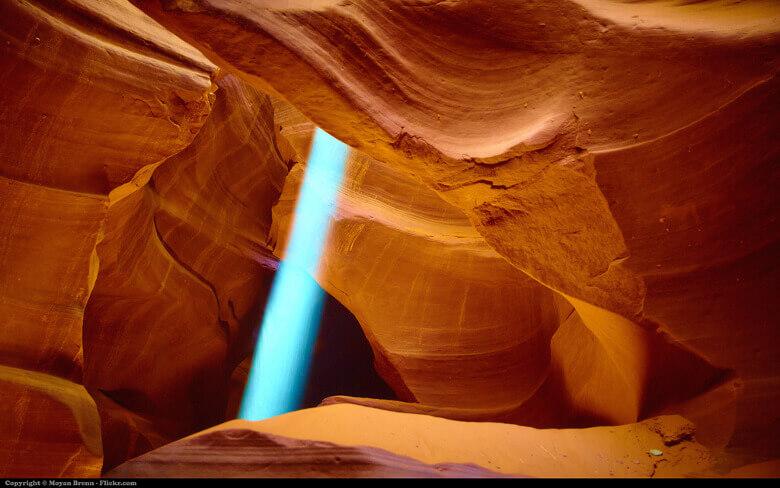 Intensive Sonnenstrahlen im Antelope Canyon