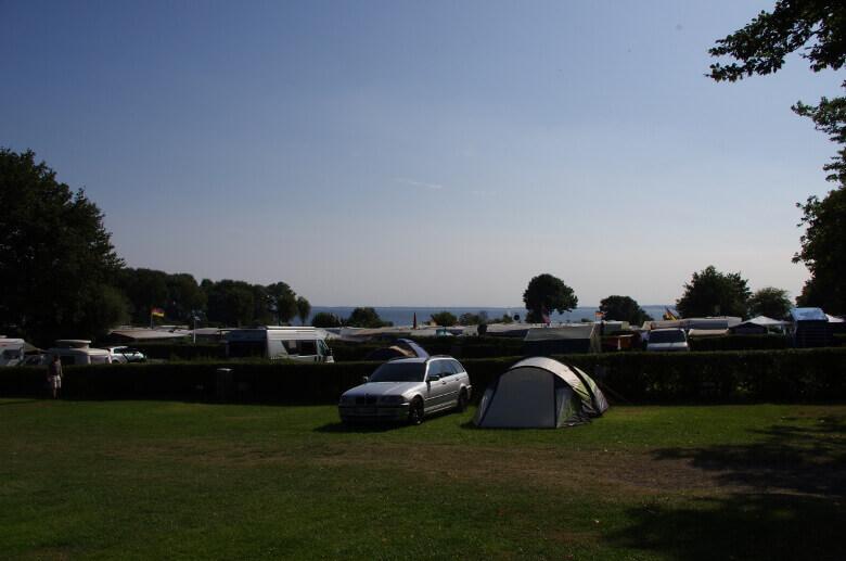 Campingplatz Am Strande mit Meerblick