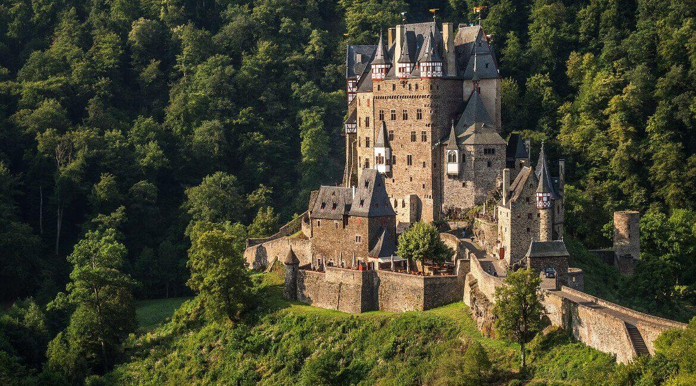 Burg Eltz im Elztal