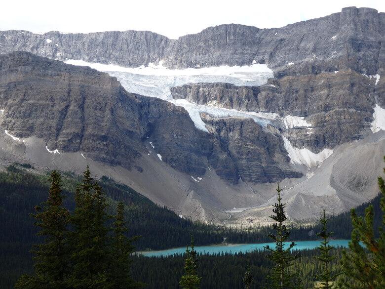 Bow Lake und im Hintergrund der Crowfoot Glacier