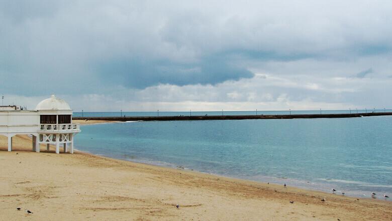 Einer der Strände von Cádiz