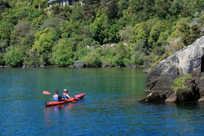 Lake Taupo mit dem Kajak erkunden