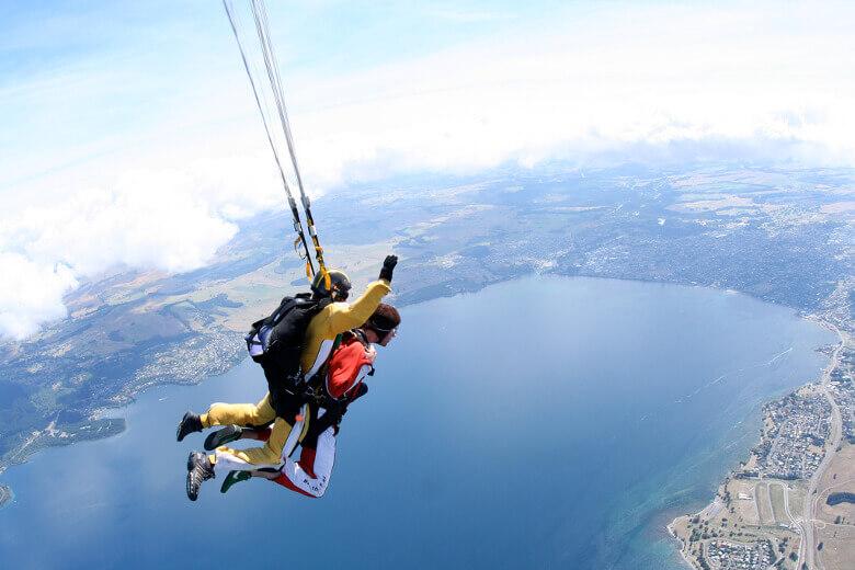 Tandem Skydive über dem Lake Taupo