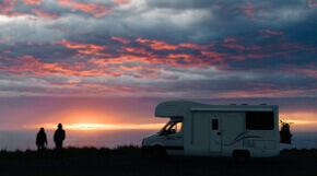 Sonnenuntergang beim Wildcampen in Neuseeland