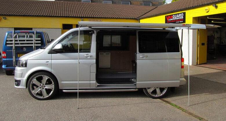 VW T5 Camper mit Markise