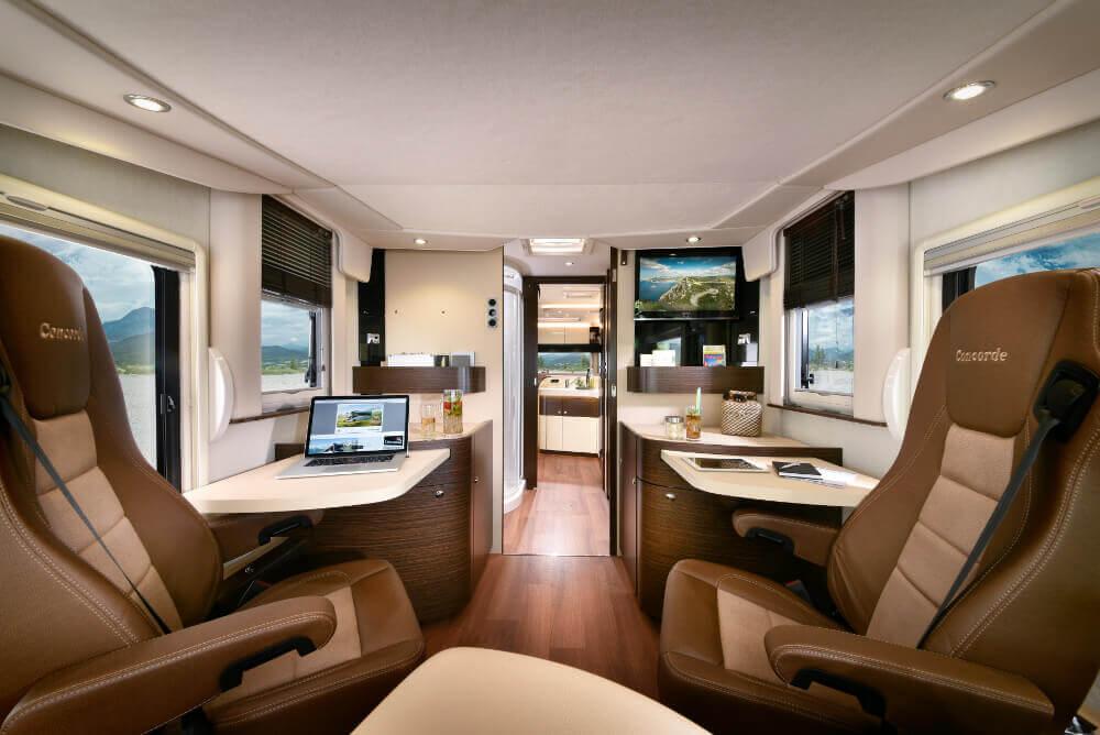 Wohnkabine im Concorde Carver mit Arbeitsbereich