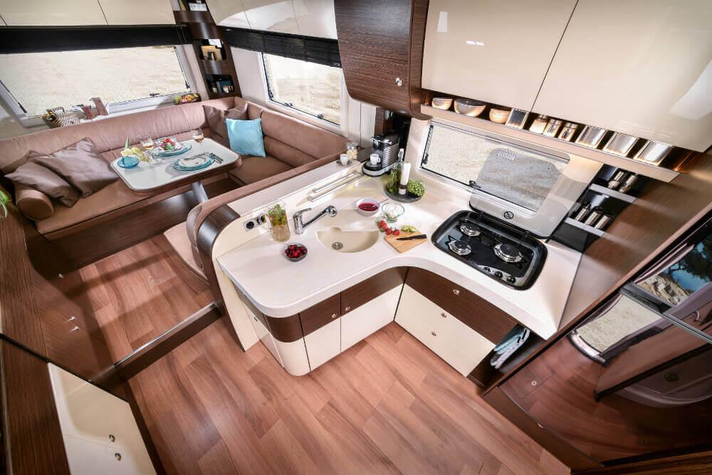 Die beliebtesten wohnmobil hersteller teil 2 concorde for Wohnmobil innendesign