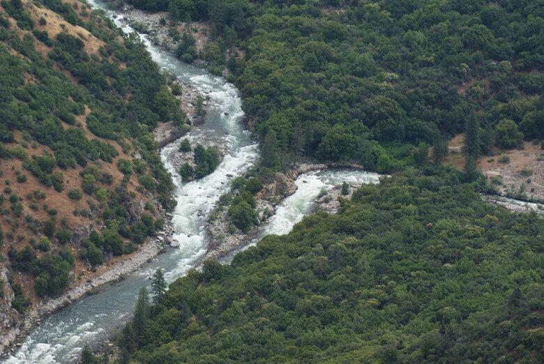 Der Kings Canyon mit dem Kings River von oben