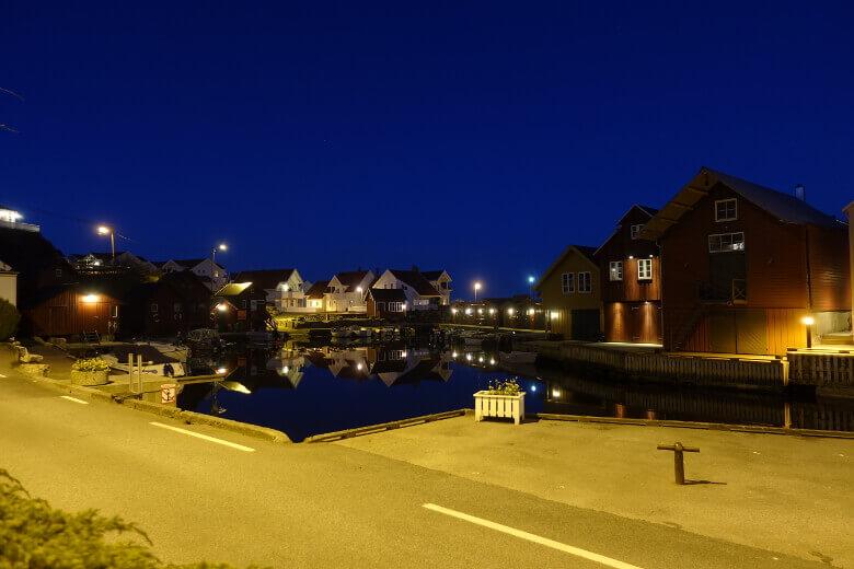 Lillehavn bei Nacht