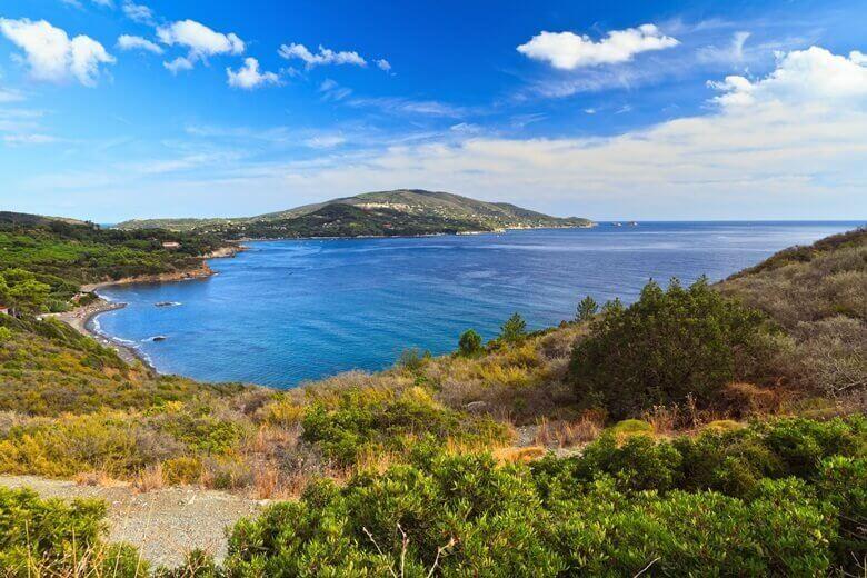 Bucht von Lacona auf der Insel Elba in Italien