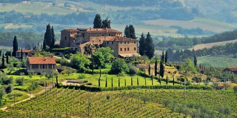 Weingut in den Hügeln der Toskana, Italien