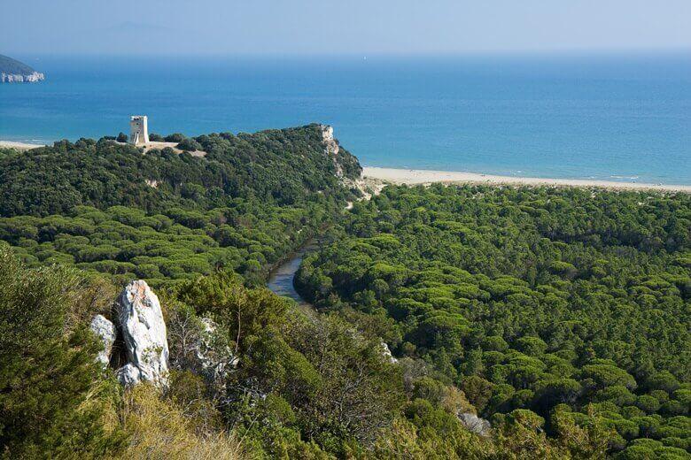 Blick über den Parco del Maremma in der Toskana, Italien