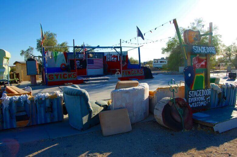 Der Wohnmobilpark Slab City in der Wüste von Kalifornien