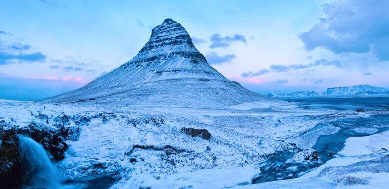 Nationalpark Snaefellsnes mit dem schneebedeckten Kirkjufell