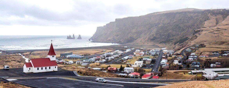 Der schwarze Strand Vik i Myrdal in Island