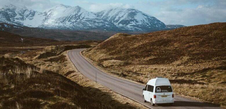 Fahrt über die A82 auf einer Wohnmobil-Rundreise durch Schottland