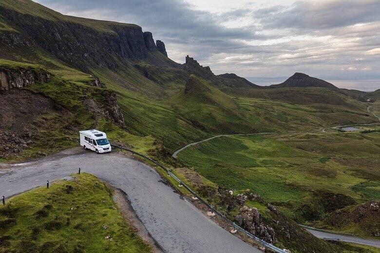 Wohnmobil auf der Isle of Skye in Schottland