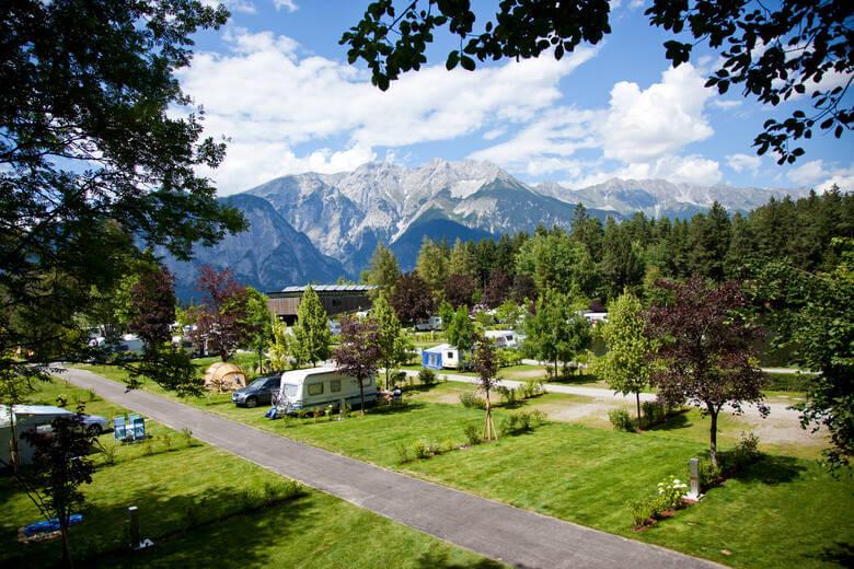 Campingplatz in den Alpen